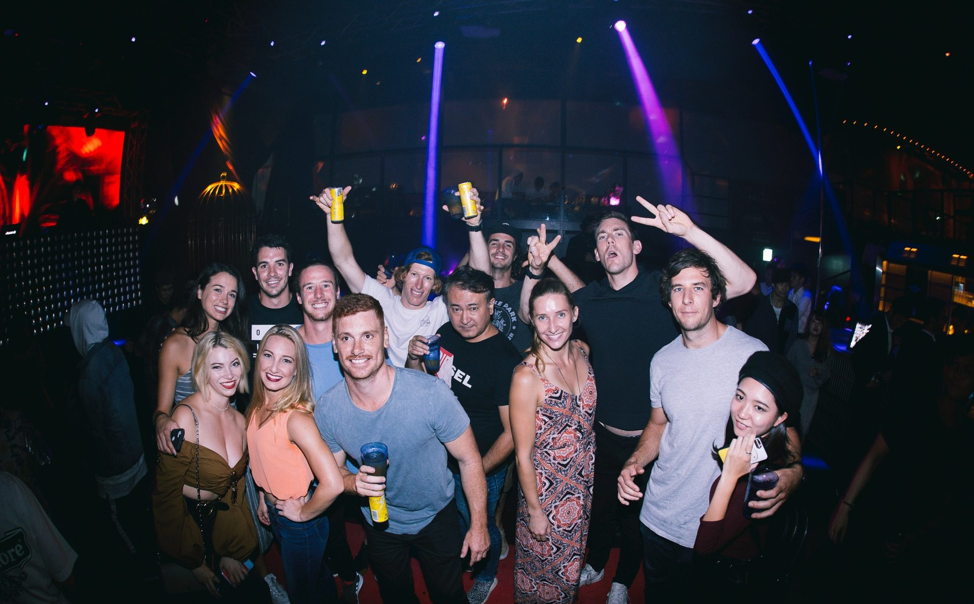 Making Japanese Friends at Nightclubs!